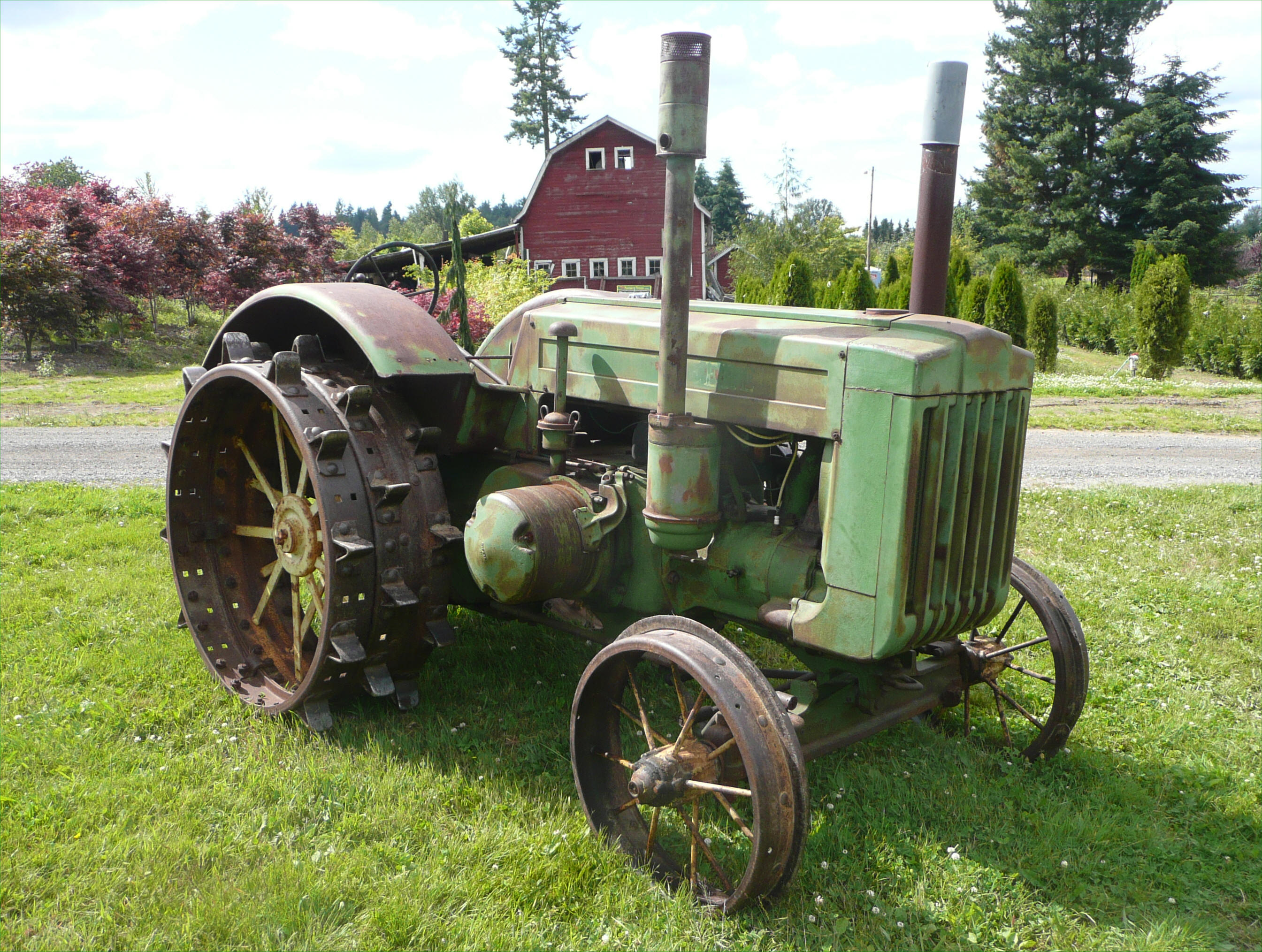 The Oldest John Deere : John deere model d tractor
